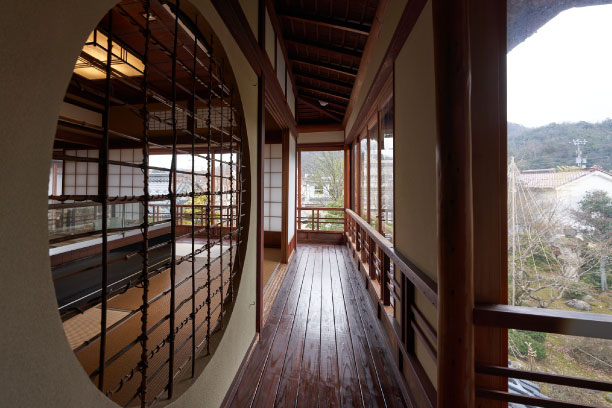 An old building preserved in a nice comdition is changed as a museum for Japanese poet Matsuo Basho.